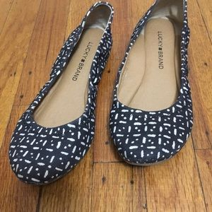 Lucky Brand echo black and white ballet flats